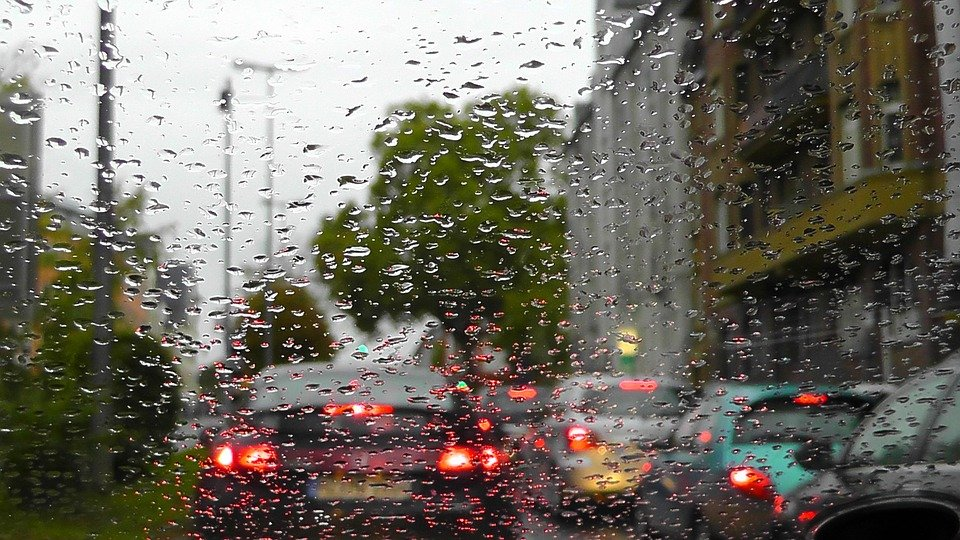How to Drive Safely in the Rainy Season?